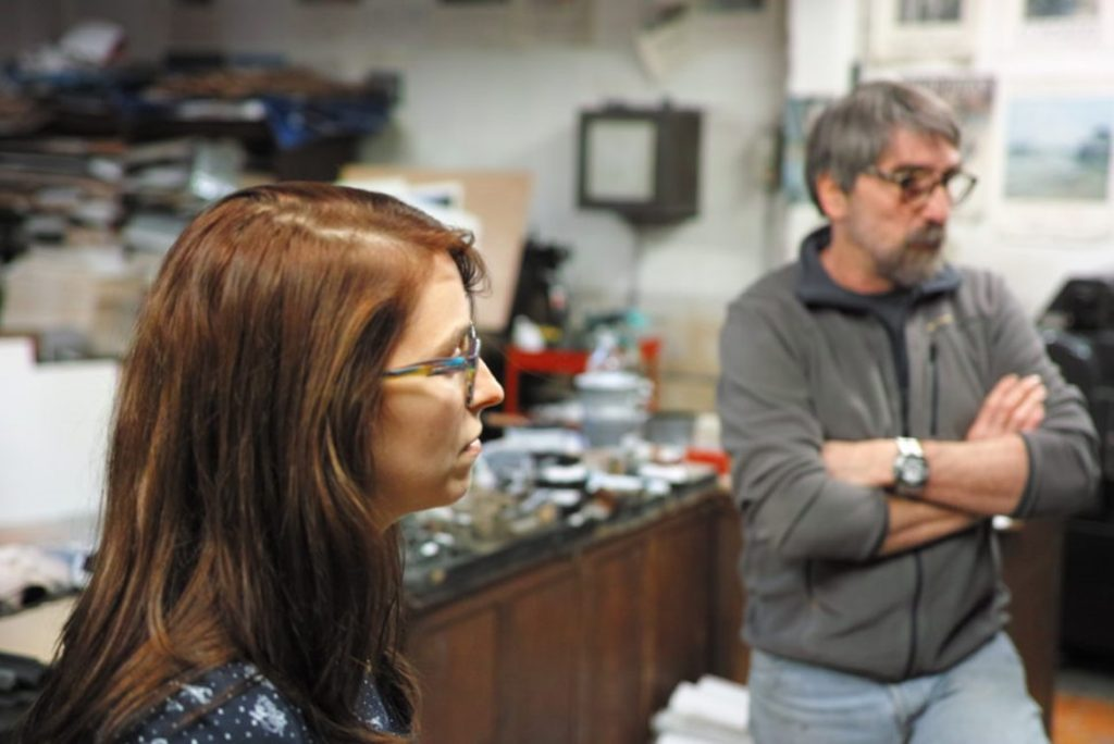 Céline Métayer, ancienne apprentie de l'atelier, collaboratrice de Pascal Duriez. Photo © Pierre d'Ornano