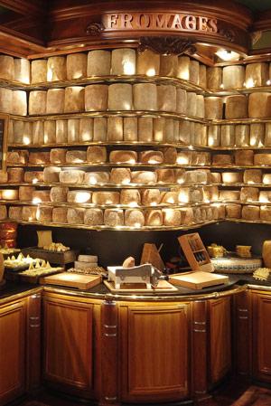 Cent-onze fromages d'artisan - Guinness des Records 2020 pour les Grands Buffets de Narbonne. Photo © DR