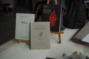 Trois ouvrages des éditions Archimbaud, imprimés par Pascal Duriez – Imprimerie d'Arts de Montquartiers. Photo © Pierre d'Ornano