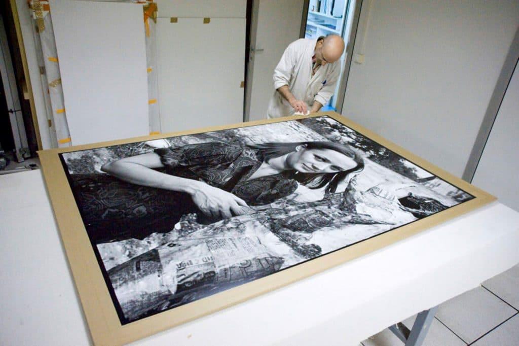 Portrait de Niki de Saint Phalle par Pierre Descargues. Tirage argentique agrandisseur, papier baryté, format 120X18O. Photo © DR