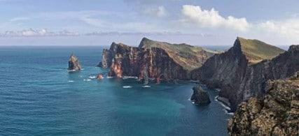 La Côte de Madère (océan Atlantique, au large du Maroc) principale île de l'archipel de Madère, région autonome du Portugal.