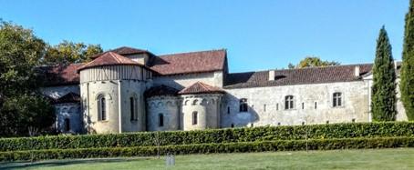 L'abbaye cistercienne de Flaran, fondée en 1151 dans la vallée de la Baïse (Gers). Photo © François Collombet