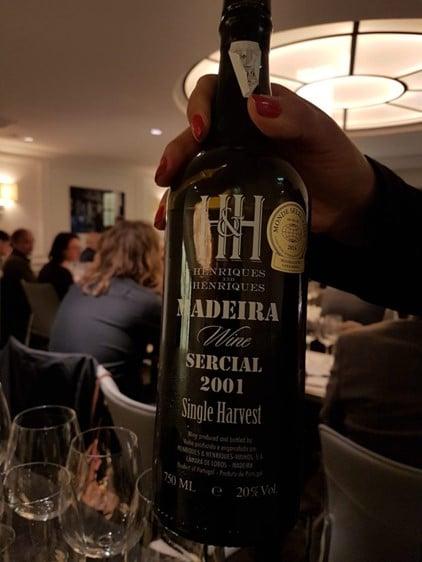 Vin de Madère Henriques & Henriques, Sercial 2001. Photo © Pierre d'Ornano