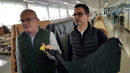 Vincent François (à gauche), directeur général de Dijon Maroquinerie (32 ans de maison) et Fabien Guené directeur de la production partagent le même soucis de recherche de l'excellence. Photo © Pierre d'Ornano / Aeternus.fr