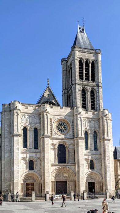 La basilique-cathédrale de Saint-Denis telle qu'on peut la voir en 2021. Photo © François Collombet